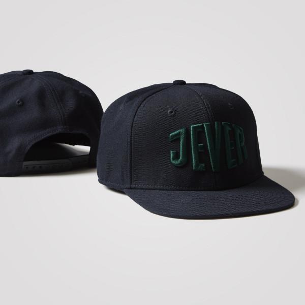 Cap mit geradem Schirm, grünes Logo